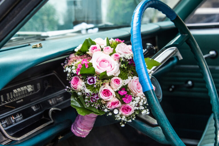 wedding Hochzeit love liebe Brautpaar shooting nature car old-timer dodqe